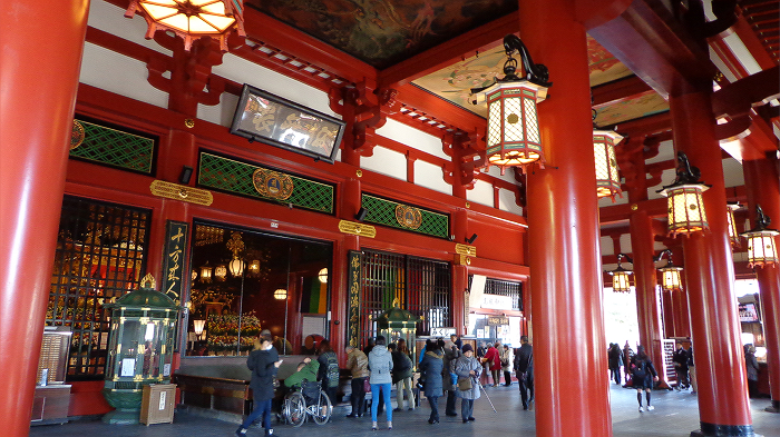 main hall of Senso-ji